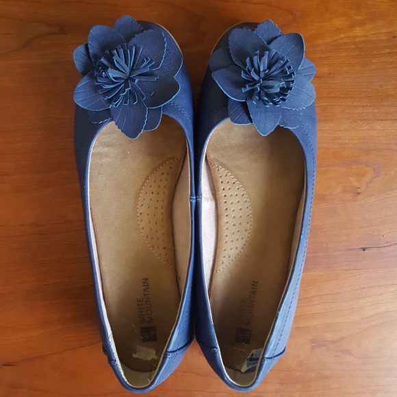 Blue Ballet Flats With Arch